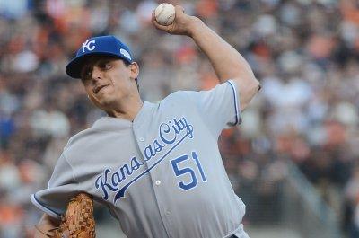 Jason Vargas remains hot, pitches Kansas City Royals past Tampa Bay Rays