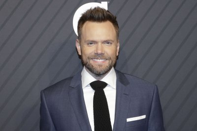 Joel McHale channels Chevy Chase in Netflix's 'Stupid Gesture'