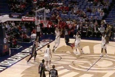 Pelicans' Anthony Davis has huge dunk in Jarrett Allen's face