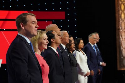 Immigration, healthcare split Democrats on 2nd night of debates