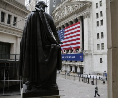 Dow extends growth streak with early gains Tuesday