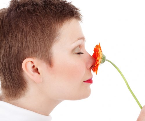 Fading sense of smell may signal higher death risk for older adults