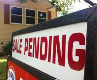 Pending home sales dip slightly in October, easing off on hot pace