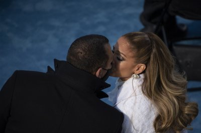 Jennifer Lopez, Alex Rodriguez deny breakup buzz