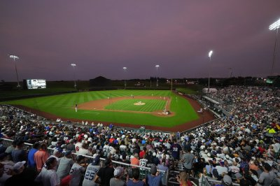 Reds, Cubs to meet in MLB's second 'Field of Dreams' game