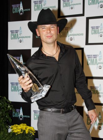 Kenny Chesney wins top CMA award