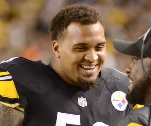 Pittsburgh Steelers C Maurkice Pouncey may play with dislocated thumb