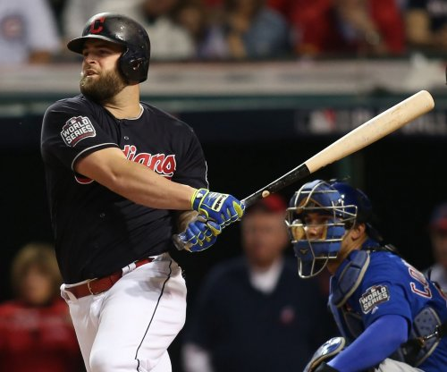 Texas Rangers bring Mike Napoli back on one-year deal