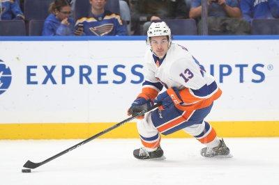 New York Islanders look to keep rolling vs. Buffalo Sabres