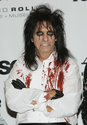 Alice Cooper releasing 'Nightmare' sequel