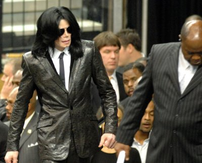 Michael Jackson pays his respects at James Brown's funeral… | Flickr