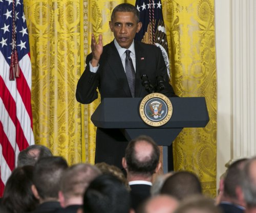 Obama asks mayors to back middle-class economics