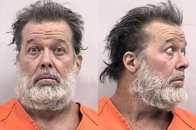 Accused gunman in Planned Parenthood attack declares guilt, says he's 'warrior for the babies'