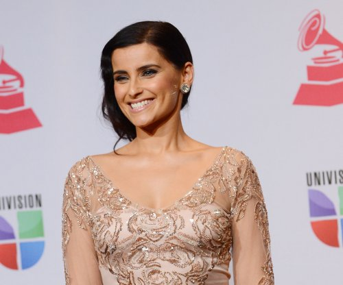 Nelly Furtado panned for Canadian national anthem performance