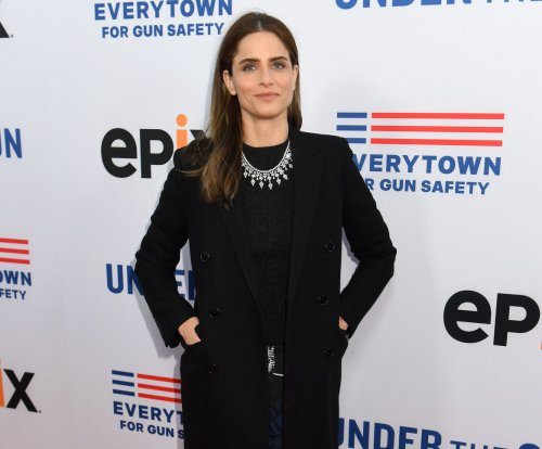 Amanda Peet to co-star with Hank Azaria in IFC's 'Brockmire' comedy series