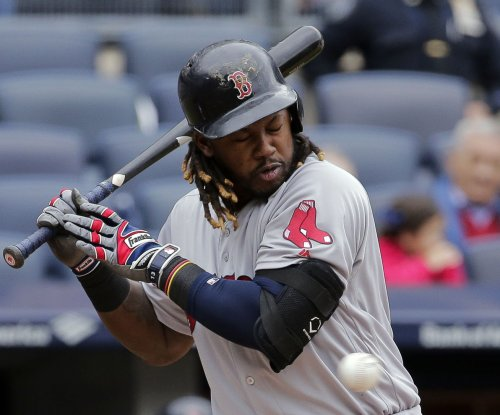 Hanley Ramirez, Travis Shaw homers help Boston Red Sox, Rick Porcello win