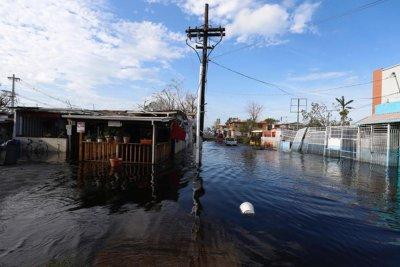 Warnings extended for Puerto Rico's Guajataca Dam, in danger of collapse