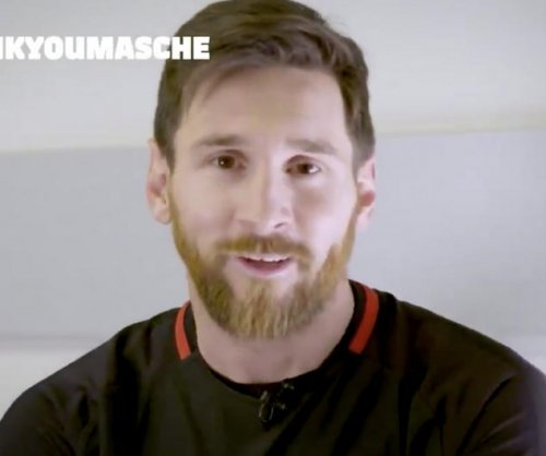 Lionel Messi says goodbye to Barcelona teammate Javier Mascherano
