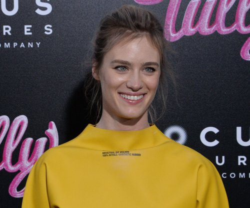 Mackenzie Davis may join Kristen Stewart in same-sex rom-com