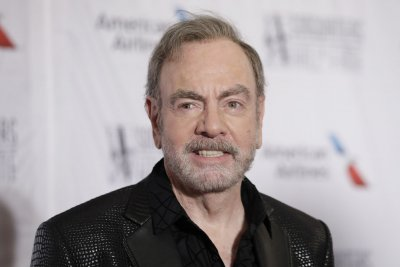 Neil Diamond biographical musical coming to Broadway