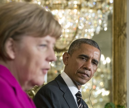 Obama and Merkel discuss Ukraine peace plans, U.S. considers supplying weapons