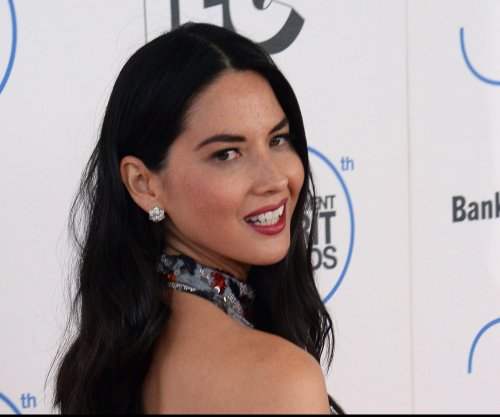 Olivia Munn, Jennifer Lawrence, Michael Fassbender do table read of 'The Big Lebowski'