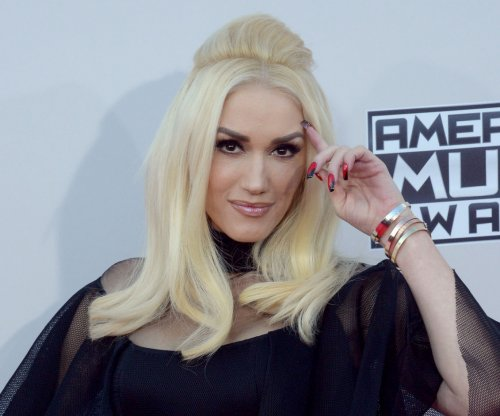 Gwen Stefani declares her 'love' for Blake Shelton