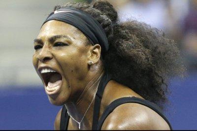 Serena Williams cruises into third round of Australian Open