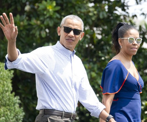 Obamas leave for annual summer vacation on Martha's Vineyard