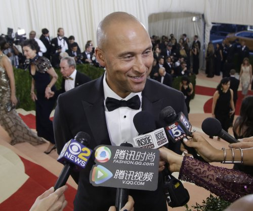 Reports: Derek Jeter-Jeb Bush group wins auction to buy Miami Marlins for $1.3 billion