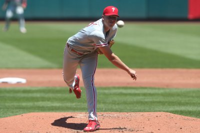 Phillies poised to sweep Pirates