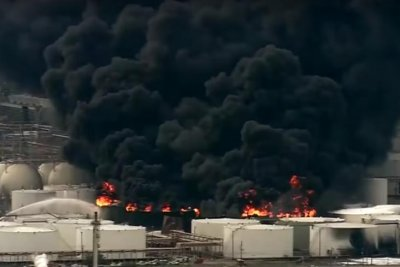 Officials monitor southeast Texas air quality levels after major chemical fire