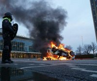 Hundreds arrested after riots in 10 cities in the Netherlands