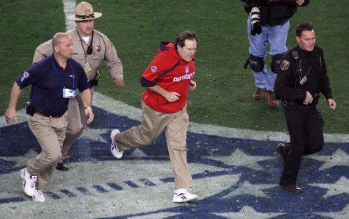 NFL wants radio link for defense