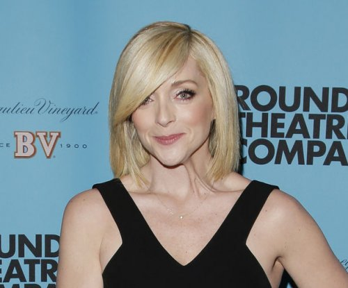Jane Krakowski heading back to Broadway for one-night-only play reading with Jim Parsons