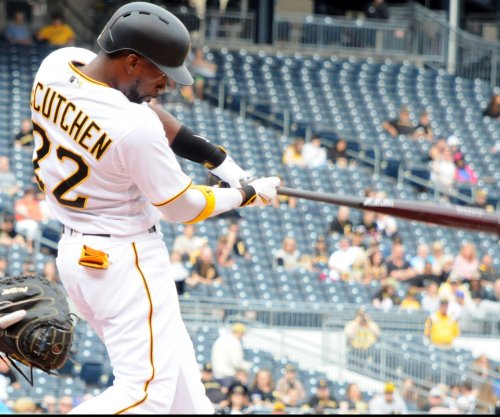 Andrew McCutchen leads Pittsbrugh Pirates past Los Angeles Dodgers