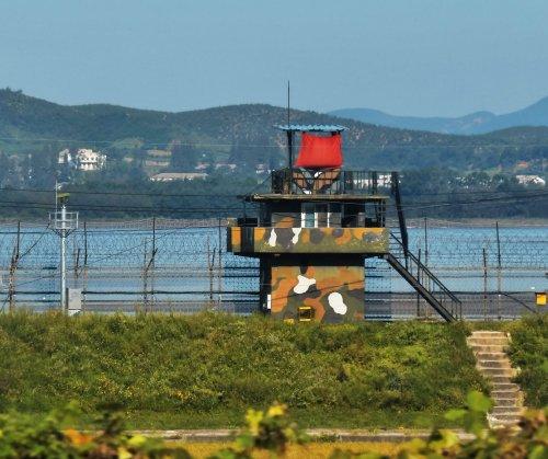 Seoul phones North Korea to arrange dialogue
