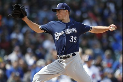Brewers' balanced pitching staff looks to top Phillies