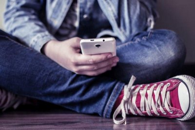 Smartphones may trigger ADHD in teens, study says