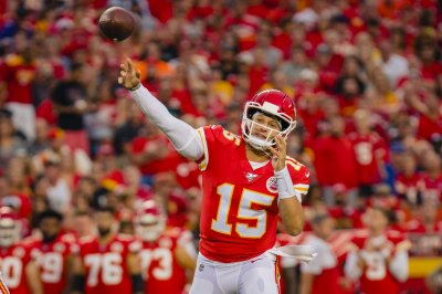 Chiefs' Patrick Mahomes throws 68-yard TD on second pass of season