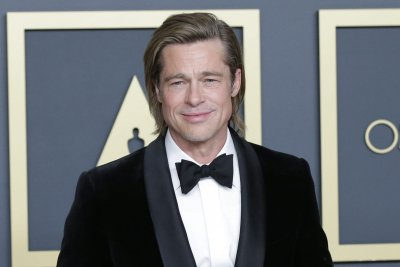 Brad Pitt, Jimmy Kimmel join 'Fast Times at Ridgemont High' table read