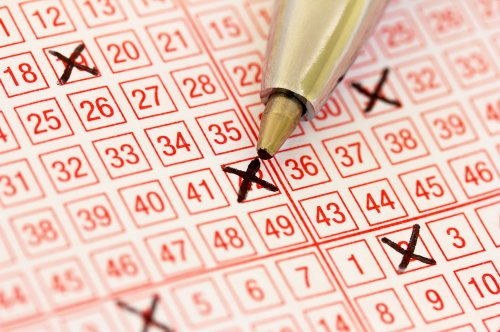 Man wins $3.4 million using lottery numbers from different drawing
