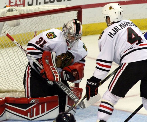 Playoff-bound Chicago Blackhawks visit lowly Buffalo Sabres