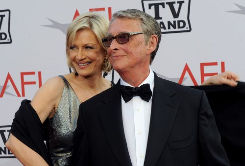 Hollywood, Broadway stars mourn death of director Mike Nichols