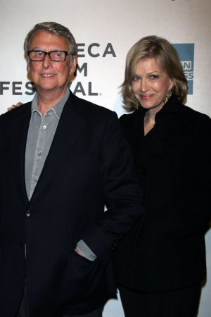 Broadway lights will be dimmed for Mike Nichols Friday night