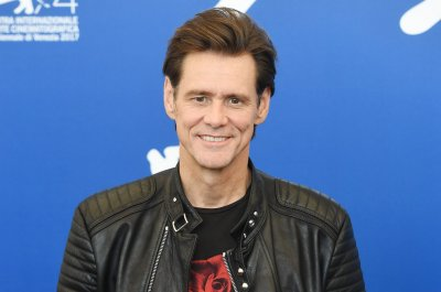 Showtime renews Jim Carrey's 'Kidding' for Season 2