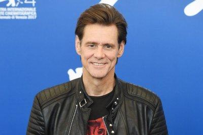 Showtime renews Jim Carrey's 'Kidding' for Season 2