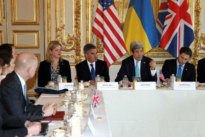 U.S., U.K. try to bring Russia into diplomatic dialogue with Ukraine