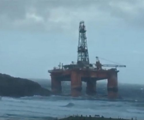 Transocean rig strikes ground