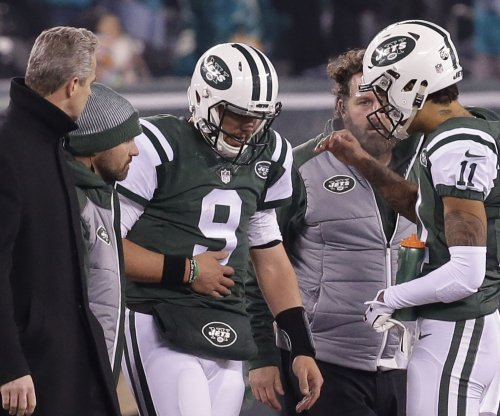 New York Jets QB Bryce Petty leaves game after crushing hits